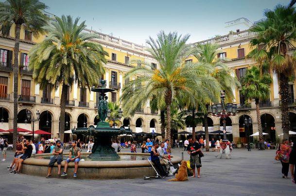 Barcelona_-_La_Rambla_04